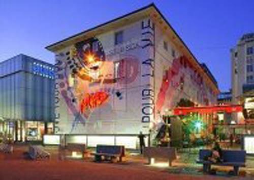 Самая известная в Швейцарии дискотека в Лозанне