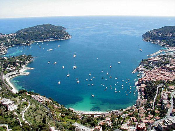 Участок под строительство виллы рядом с Монако с видом на Кап Ферра.