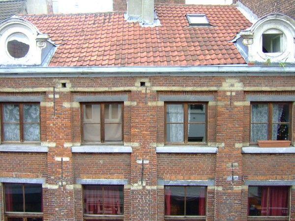Рядом с Гран Плас в Брюсселе, Бельгия, доходный дом исторической ценности