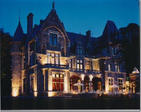 Великолепный замок 19 века в Бельгии, рядом с Германией