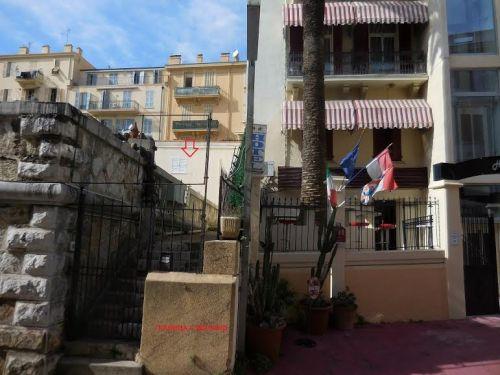 Небольшой собственный дом рядом с Монако и с видом на княжество