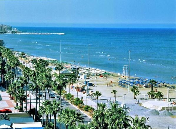 Участок под гостиницу на Кипре, на первой береговой линии в Лимассоле