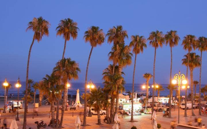 Гостиница в 200 метрах от пляжа в Ларнаке, Кипр.