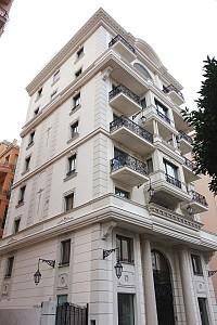Продается многоквартирный современный дом в Монако.