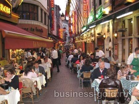 Ресторан в центре Брюсселя, на знаменитой улице рыбных ресторанов.