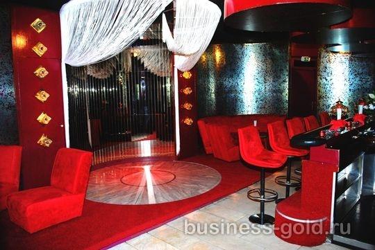 Эсклюзивный ночной клуб в центре крупного города Германии (Северная Вестфалия) рядом с Кельном.