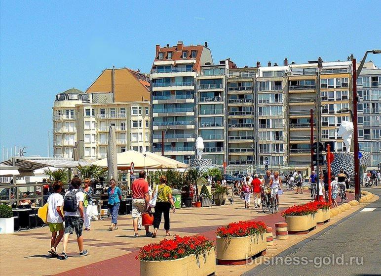 Стильный ресторан рядом с морем, в Кнокке Хейст - самом элитном курорте Бельгии!