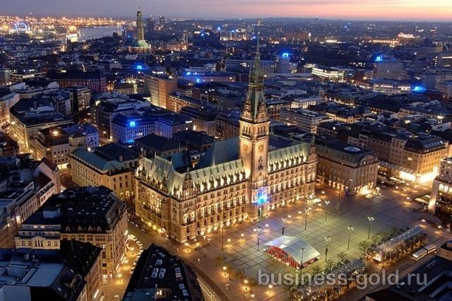 Две гостиницы в центре  Дюссельдорфа и многоквартиный дом, Германия